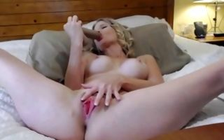 Gorgeous amateur chick with round tits masturbating muff