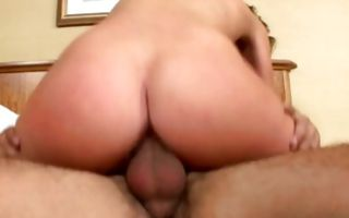 Gorgeous young girlfriend has deep sex with horny man